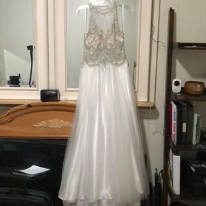 Dresses & Skirts - White Ball Gown/Wedding Gown/Pageant Evening Wear